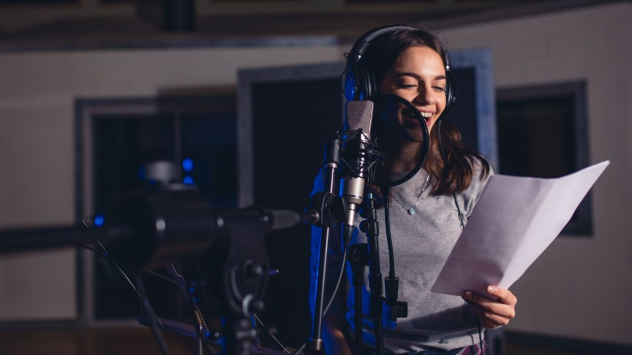 7 tips to warm up your voice for a performance